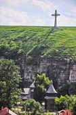 Cross near fort in Kamjanets-Podolsk — Stock Photo