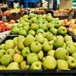 Apples at the grocery store — Foto de Stock
