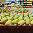 Pears at the grocery store — Stock Photo