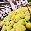 Apples and grapes at the grocery store — Stock Photo