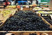 Winogron w sklepie spożywczym — Zdjęcie stockowe