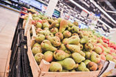 Sweet pears in the store — Stockfoto
