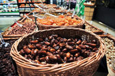 Dates in the store — Stockfoto