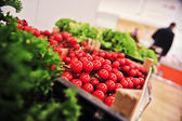 Fresh and tasty cherry tomato in grocery store. — Foto Stock