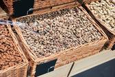 миндаль. заделывают обжаренные, очищенные и соленый миндаль. — Стоковое фото