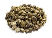 витая зеленого чая на белом фоне — Стоковое фото