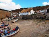 Cornwallský rybářských člunů sennen cove — Stock fotografie
