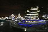 London City Hall and Tower Bridge at Night — Stock Photo