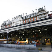 Outside View of London Victoria Station — Stock Photo