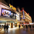 Night street view of Leicester Square - Stok fotoğraf