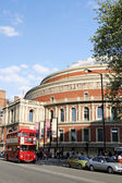 London Routemaster Bus, Royal Albert Hall — Stock Photo