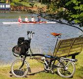 Single Folding bicycle near Thames River — Stock Photo