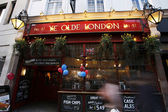 Outside view of London Pub — Stock Photo