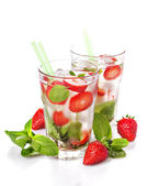 Strawberry mojito summer cocktail drink — Stock Photo