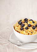 Corn flakes with blueberries breakfast — Foto de Stock