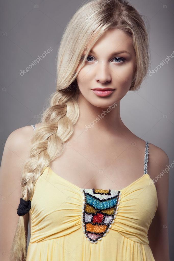 Фото блондинок с косичками