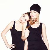Due giovani amici ragazza — Foto Stock
