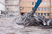 Demolition truck in action — Stock Photo