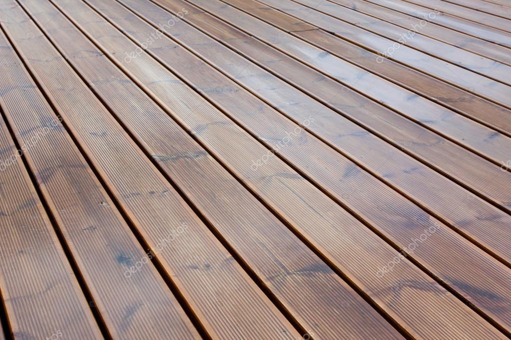 Plancher de bois humide terrasse brun — Photographie romantsubin
