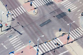 Urban street traffic and pedestrian crossing — Stock Photo