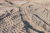 Traces de pneu dans le sable — Photo
