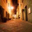 Narrow alley, Pienza Italy — Stock Photo