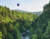 Hot Air Balloon RIde at Quechee Vermont — Stock Photo