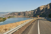 Washington Route 14 in Columbia River Gorge — Stock Photo