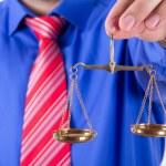 ������, ������: Businessman Shows Scales