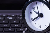 Alarm Clock on Laptop — Foto Stock