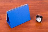 Desk Calendar and Alarm Clock — Stock Photo
