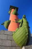 St. petersburg, rostralt kolumner — Stockfoto