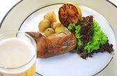 食品、 炸的鹌鹑、 土豆, — 图库照片