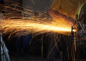 金属グラインダーの切削 — ストック写真