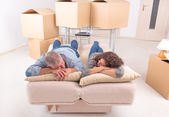 Mature couple at new home — Stock Photo
