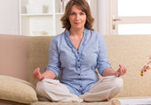 Meditação mulher — Fotografia Stock