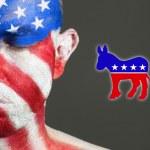 άνθρωπος πρόσωπο σημαία ΗΠΑ, τα μάτια κλειστά, δημοκράτης σύμβολο — Φωτογραφία Αρχείου