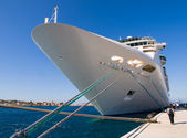 Cruise ship docked in Rothes — Stock Photo