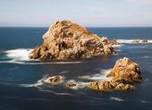 Malé ostrovy v galicijské pobřeží, španělsko — Stock fotografie
