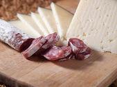 Formaggio e salsiccia spagnola — Foto Stock