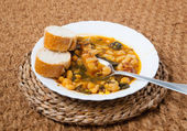 Potaje de Garbanzos y espinacas. Spanish cuisine. — Stock Photo