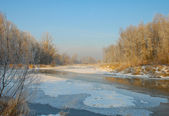 Río en la época de invierno — Foto de Stock