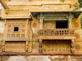 Facade of an old haveli — Stock Photo