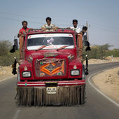Workers transported in an Indian truck. — Stock Photo