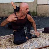 Supple street performer — Stock Photo