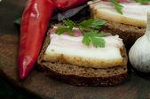 вкусный сэндвич с соленое сало (salo) — Стоковое фото