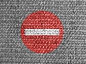 Geen vermelding voor wegverkeer verkeersbord geschilderd op grijze stof — Stockfoto