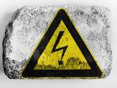 électrocution signe peint sur brique peinte sur — Photo