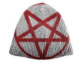 Pentagram symbol painted on painted on cap — Stock Photo