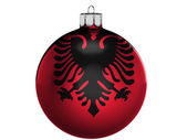 Albania. bandera albanesa en una navidad, juguete de navidad — Foto de Stock